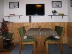 ap.č.2/první pokoj ,televize a poschoďová postel